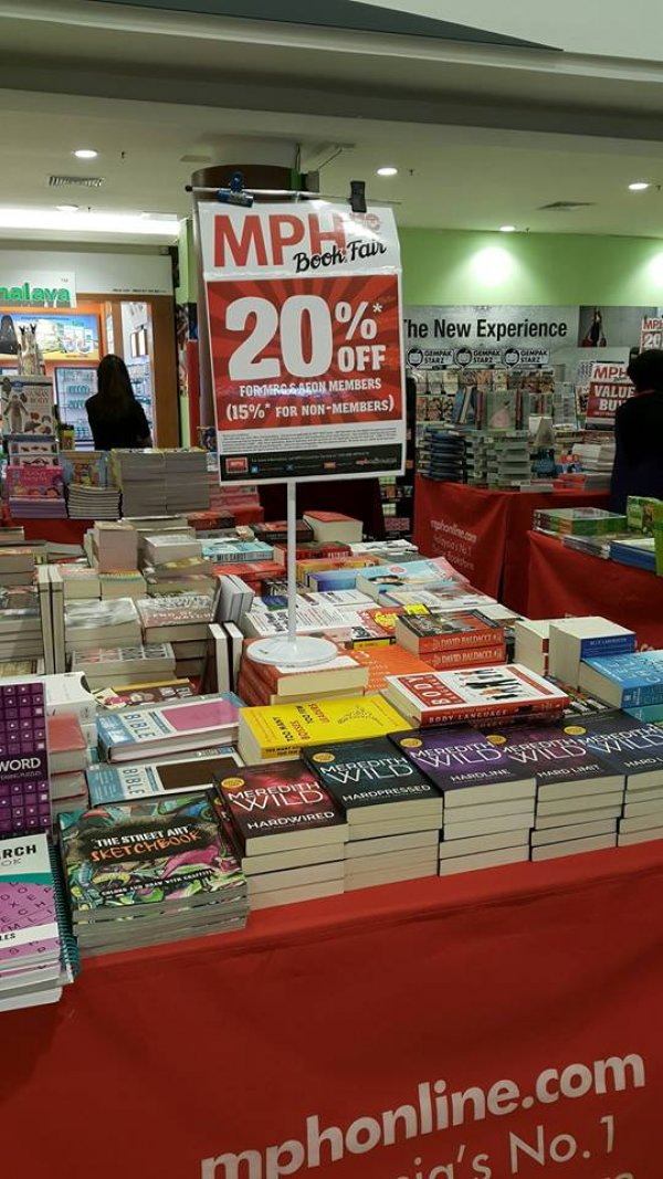 Mph Bookstores Viva City Mall Book Store In Kuching